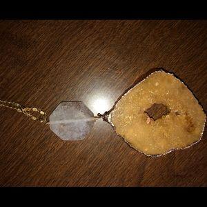 Statement necklace gemstone geode like new